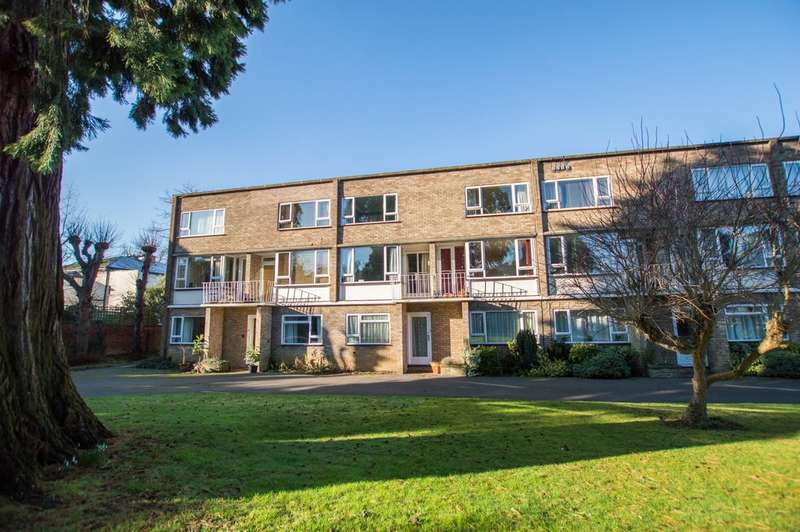 2 Bedrooms Flat for sale in Battledown Priors, Cheltenham, GL52 6RB