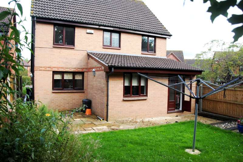 4 Bedrooms Property for sale in Nolan Close, Bmeads, Swindon