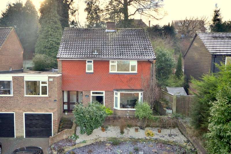 4 Bedrooms House for sale in Woking