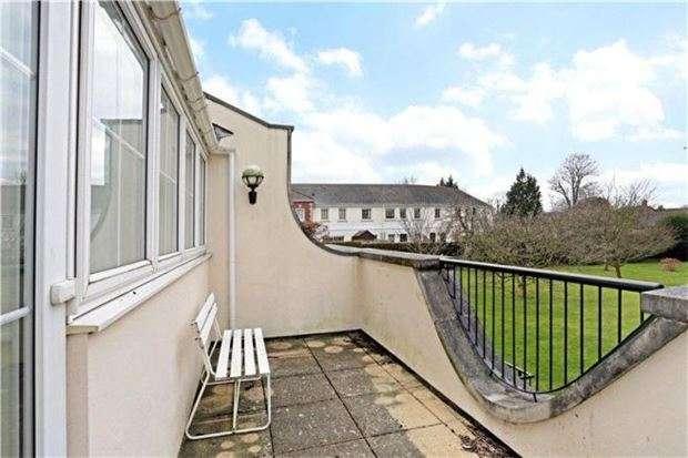 1 Bedroom Flat for sale in Hanover Court, St Stephens Road, Cheltenham, Glos, GL51 3BG