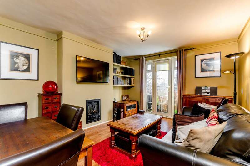 1 Bedroom Flat for sale in Atherfield Court, Wandsworth, SW18