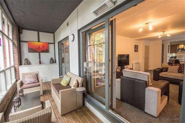 1 Bedroom Flat for sale in Blackburn Road, Bolton