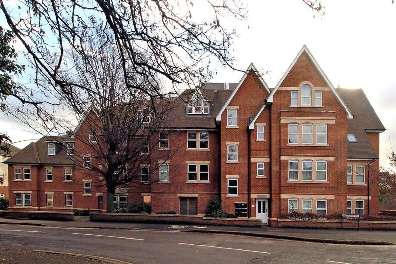 2 Bedrooms Apartment Flat for sale in Ockenden, Constitution Hill, Woking, Surrey, GU22
