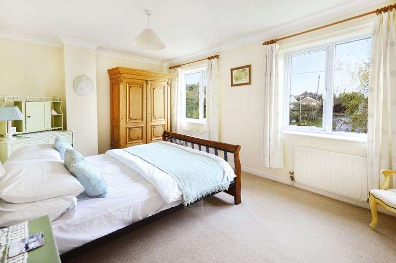 4 Bedrooms Terraced House for sale in Spring Street, Wool, BH20.