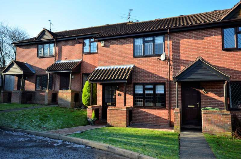 2 Bedrooms Terraced House for sale in Brandon Close, Billericay
