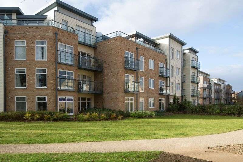 2 Bedrooms Flat for sale in Little Paxton, St. Neots