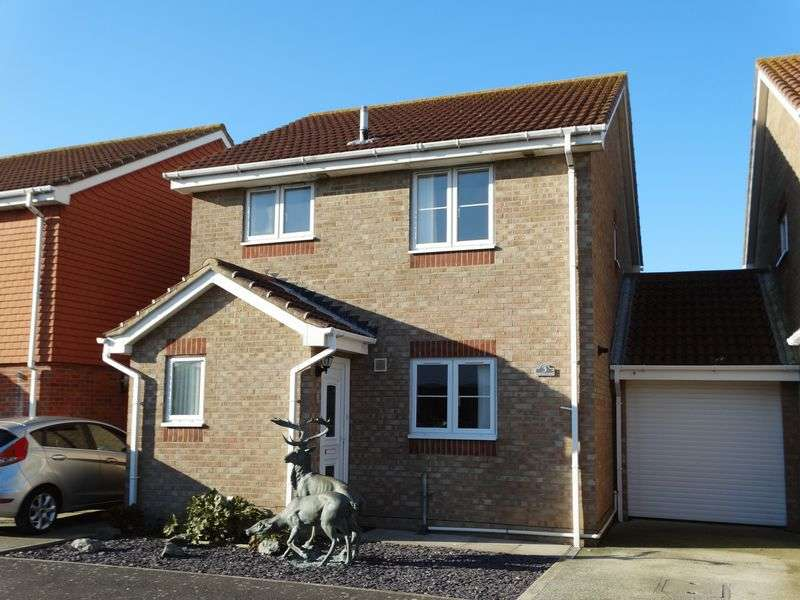3 Bedrooms Detached House for sale in Spinney Close, Selsey