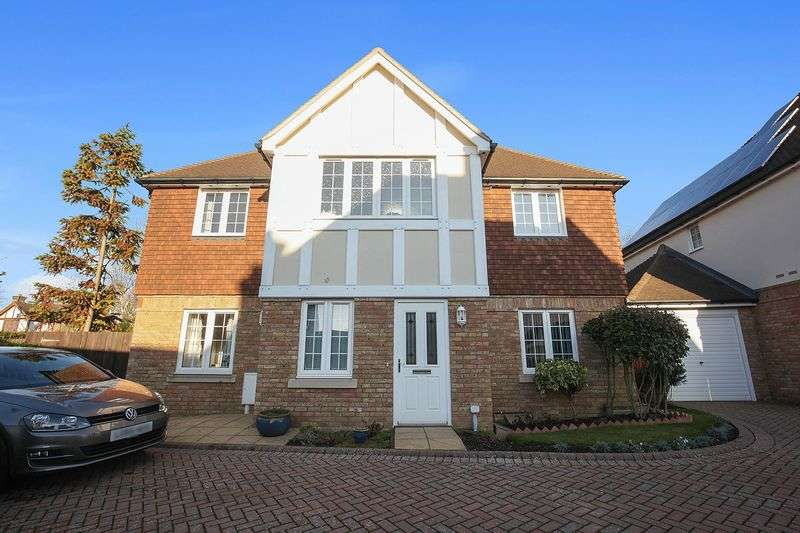 2 Bedrooms Flat for sale in Willow Close, Banstead