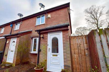 2 Bedrooms Terraced House for sale in Windmill Court, Newcastle Upon Tyne, Tyne and Wear, NE2