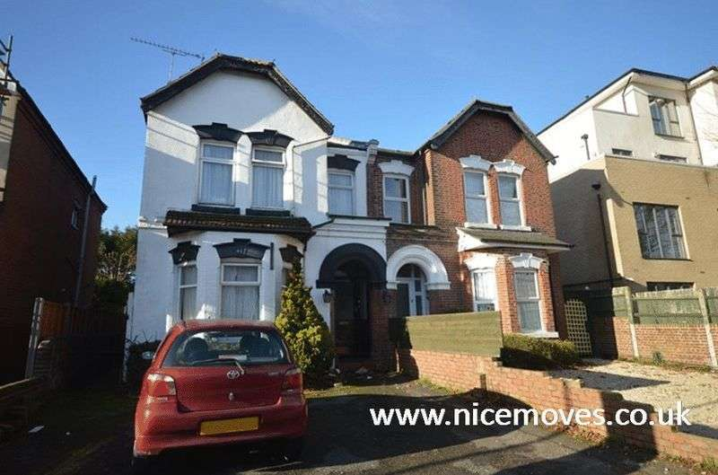 9 Bedrooms Semi Detached House for rent in Portswood Road, Southampton - Off Road Parking Available