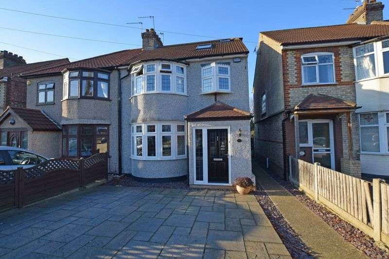 4 Bedrooms Semi Detached House for sale in Seymer Road, Romford