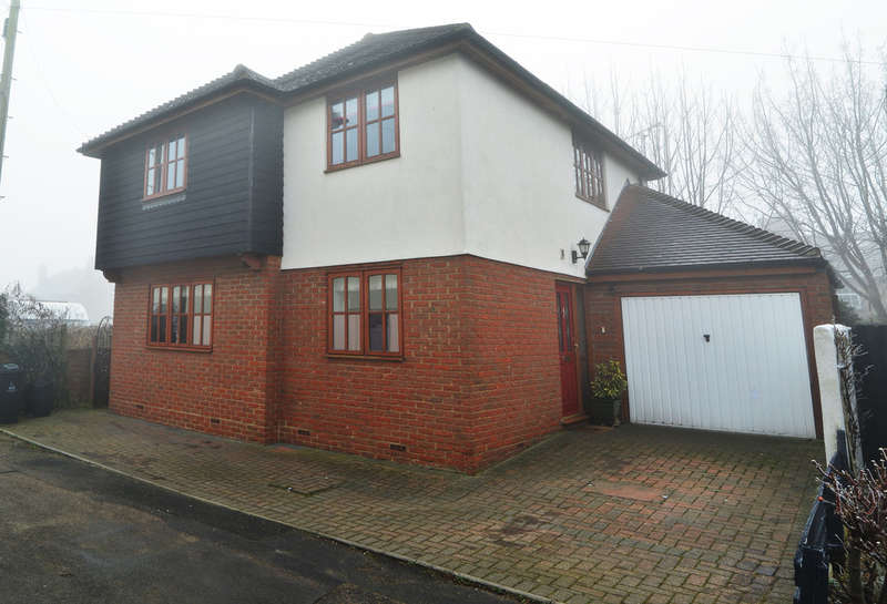 4 Bedrooms Detached House for sale in Alpha Road, Burnham-on-Crouch