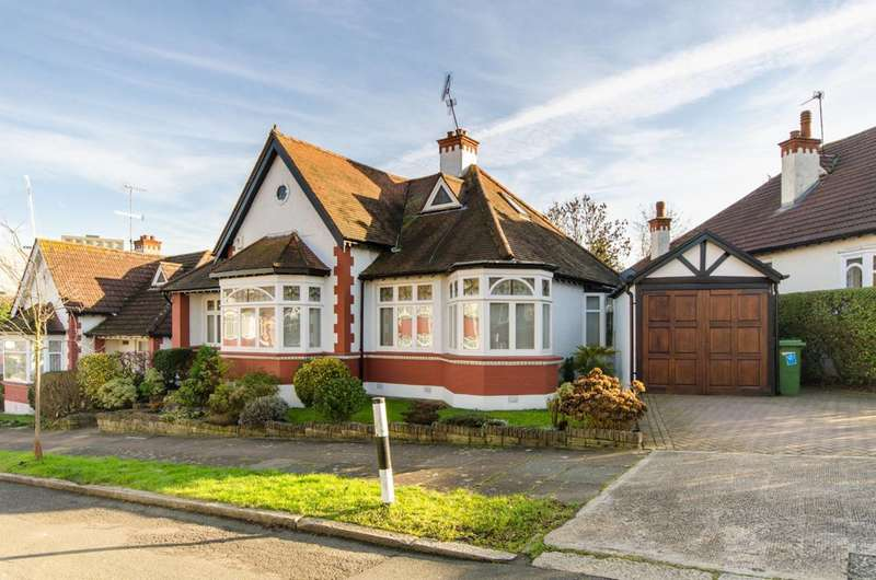 4 Bedrooms Detached House for sale in Hillcroft Crescent, Wembley, HA9