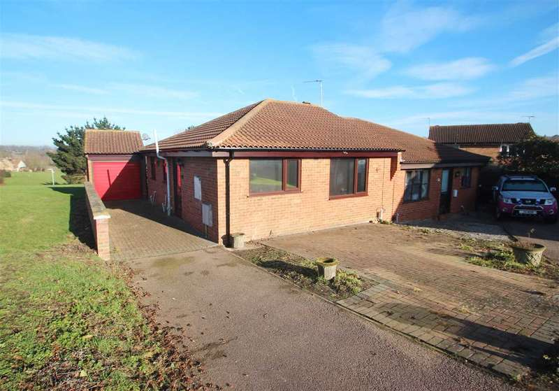 2 Bedrooms Bungalow for sale in Curlew Croft, Longridge, Colchester