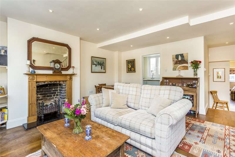 2 Bedrooms Maisonette Flat for sale in Broughton Road, Sands End, Fulham Broadway, Fulham, SW6