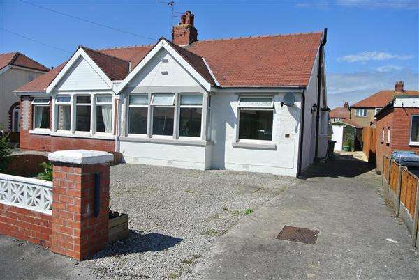 2 Bedrooms Bungalow for sale in Rutland Avenue, Thornton-Cleveleys