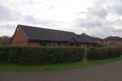 2 Bedrooms Bungalow for sale in Wadebridge, Cornwall