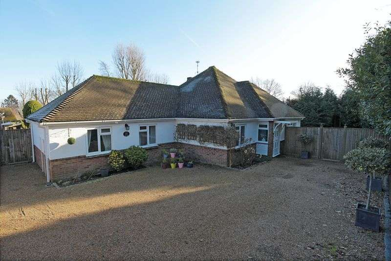3 Bedrooms Bungalow for sale in Church Road, Crowborough, East Sussex