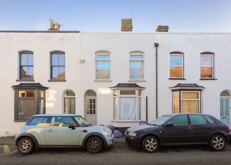 3 Bedrooms Terraced House for sale in Argyle Road, Whitstable, CT5