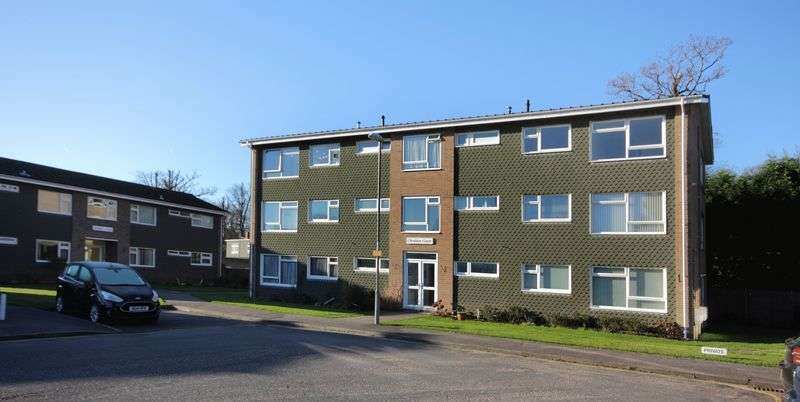 3 Bedrooms Flat for sale in Oakleigh Way, Christchurch
