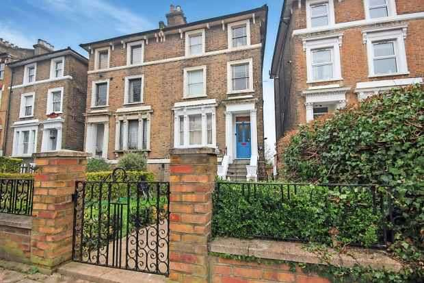 2 Bedrooms Flat for sale in Devonshire Road, London, Greater London, SE23 3SX