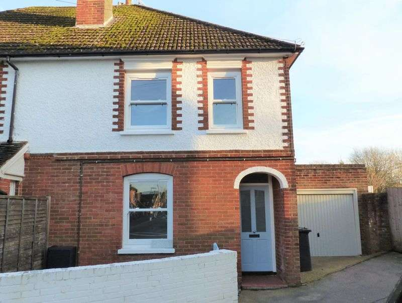 3 Bedrooms Semi Detached House for sale in St James's Place, Cranleigh