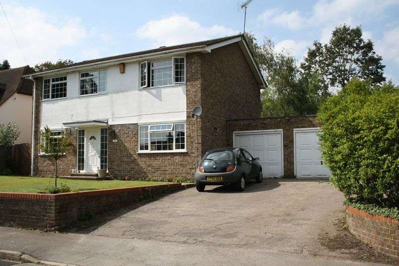 4 Bedrooms Detached House for sale in Western Avenue, Woodley
