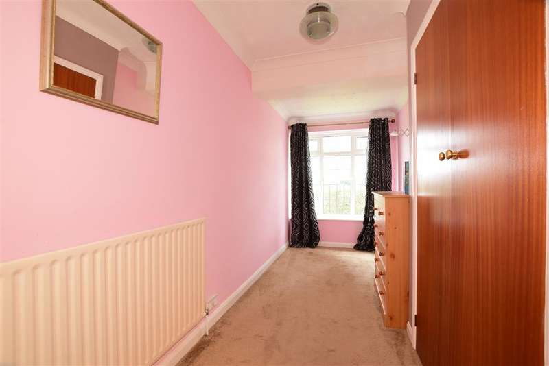 3 Bedrooms Detached House for sale in Milton Avenue, Rustington, West Sussex