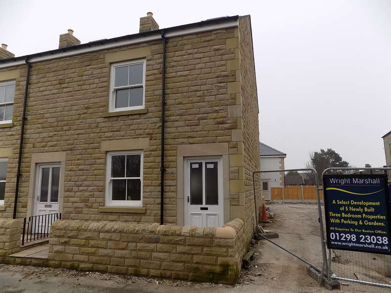3 Bedrooms Town House for sale in Waterswallows Road, Buxton