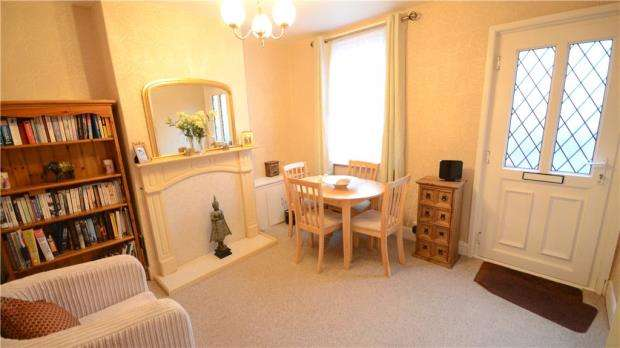 2 Bedrooms Terraced House for sale in Brunswick Street, Reading, Berkshire