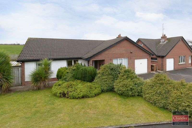 3 Bedrooms Bungalow for sale in 25 Ashdene Road, Moneyreagh, BT23 6DD