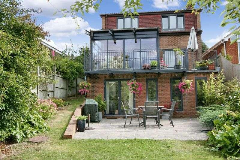 3 Bedrooms Detached House for sale in Derringstone Hill, Barham