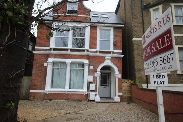 1 Bedroom Apartment Flat for sale in Top flat Croydon Road, London, SE20