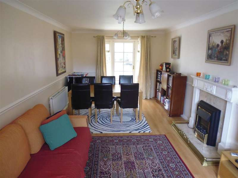4 Bedrooms Detached House for sale in Newby Farm Crescent, Scarborough, YO12