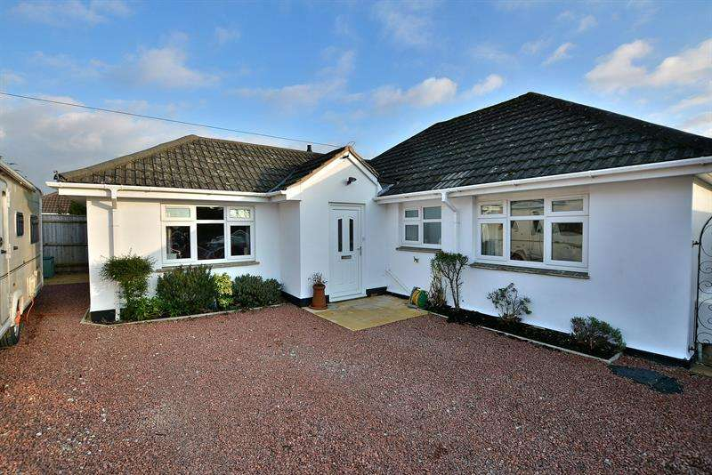 3 Bedrooms Bungalow for sale in Bramley Road, Ferndown
