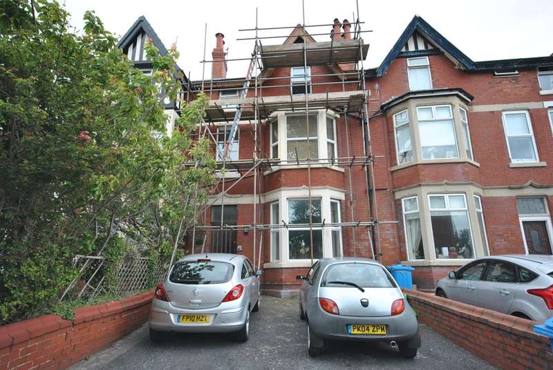 1 Bedroom Flat for sale in Flat, 17 Richmond Road, LYTHAM ST ANNES, FY8