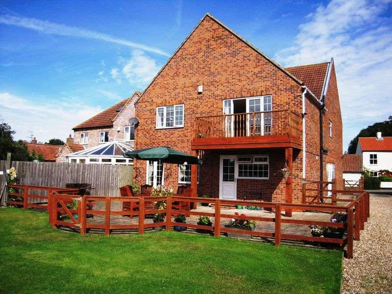 4 Bedrooms Detached House for sale in **Great family home** North Frodingham NO FORWARD CHAIN