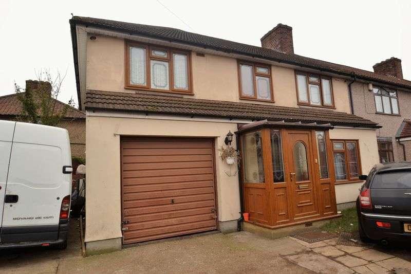 4 Bedrooms Property for sale in Dagenham