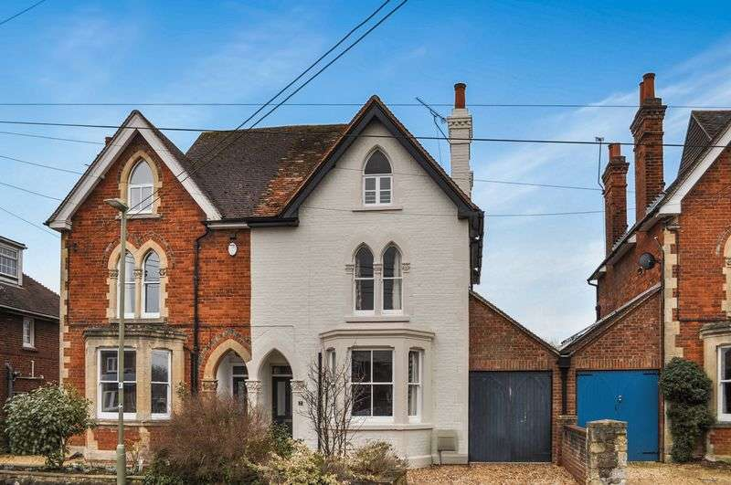 4 Bedrooms Semi Detached House for sale in Spring Gardens, Abingdon