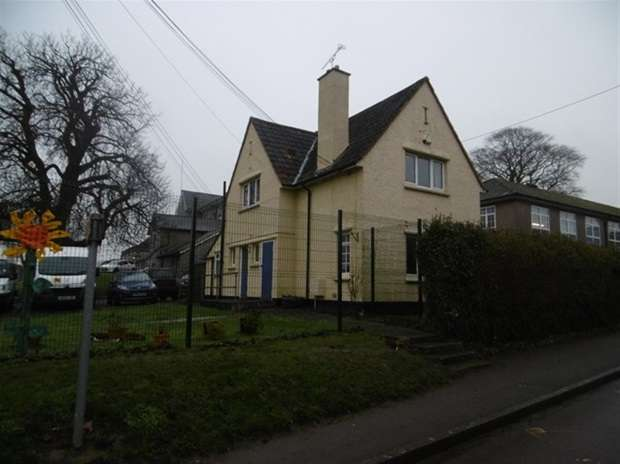 Detached House for sale in Elmhurst Lane, Street