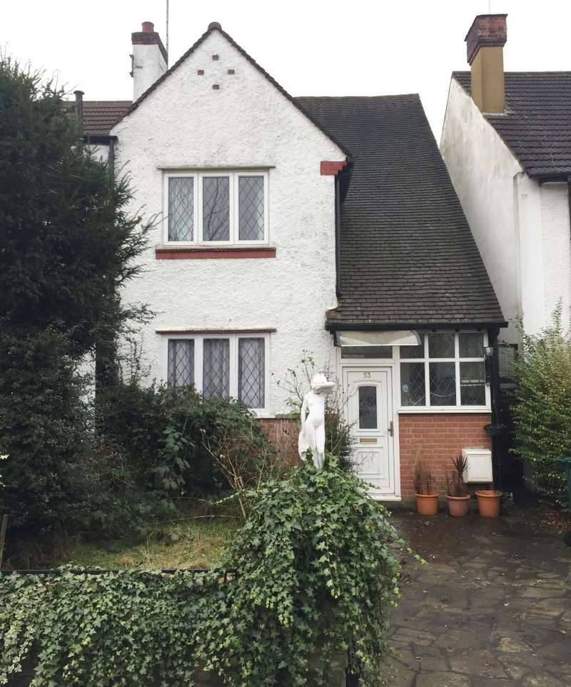 3 Bedrooms Semi Detached House for sale in Llanvanor Road, Childs Hill, London, NW2 2AR