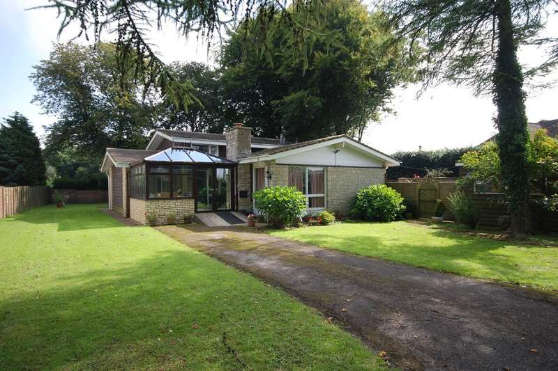 5 Bedrooms Detached House for sale in Old Rectory Drive, St Nicholas, Vale of Glamorgan, CF5 6SJ