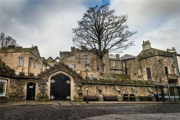2 Bedrooms Ground Maisonette Flat for rent in The Castle, Stanhope, Bishop Auckland, Durham