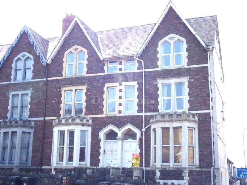 3 Bedrooms Maisonette Flat for sale in Chepstow Road, Newport, Gwent. NP19 8EN