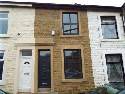 2 Bedrooms Terraced House for sale in Clarence Street, Darwen, Lancashire