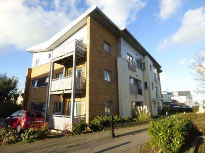 2 Bedrooms Flat for sale in 10 Norton Way, Poole