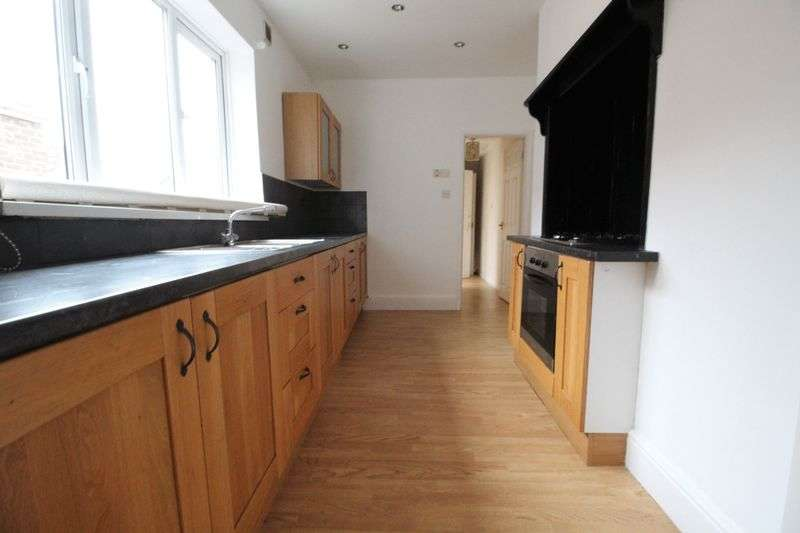 4 Bedrooms Flat for sale in stanhope road, south shields