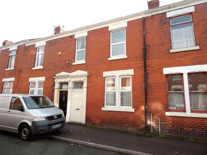 4 Bedrooms Terraced House for sale in Waterloo Terrace, Ashton, Preston