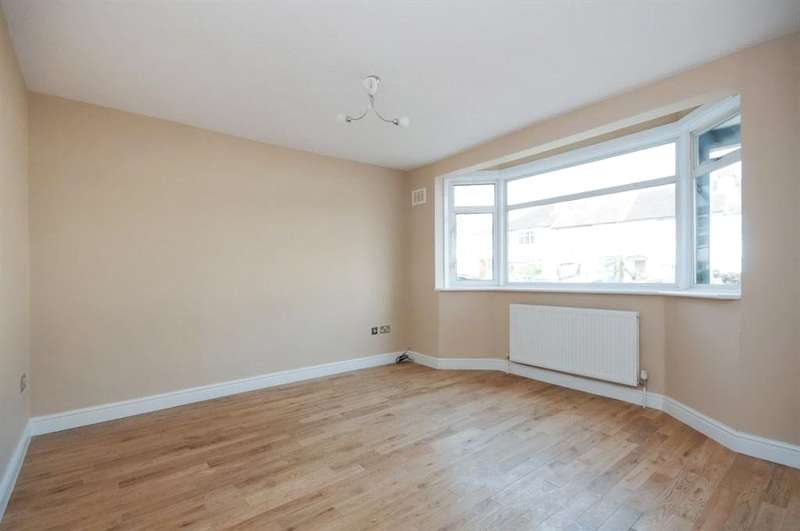 2 Bedrooms Maisonette Flat for sale in Prince of Wales Road, Carshalton