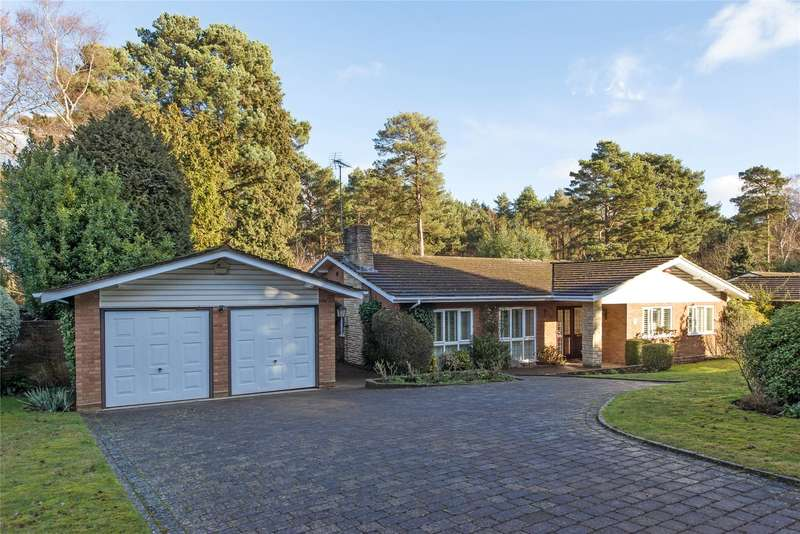 3 Bedrooms Detached Bungalow for sale in Spinney Close, Cobham, Surrey, KT11